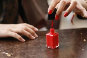 Nail_polish_in_application