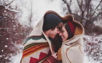 couple-boy-girl-love-winter-snowfall-hd-wallpaper