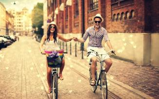 street-boy-girl-bicycles-love-hearts-city-hd-wallpaper